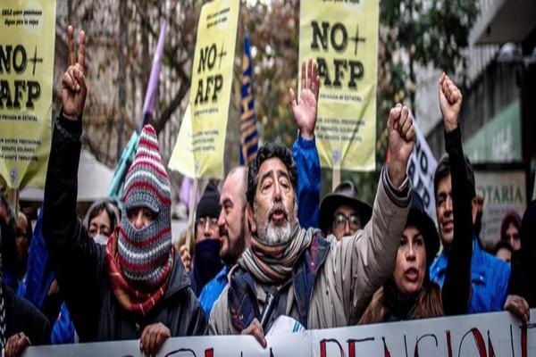 Organizaciones sociales presentarán demanda por pensiones millonarias en Gendarmería