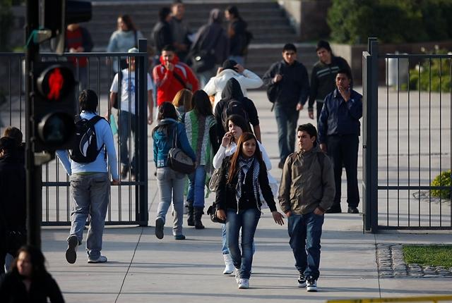 Según estudio: Mitad de los universitarios chilenos declara haber sufrido abuso sexual