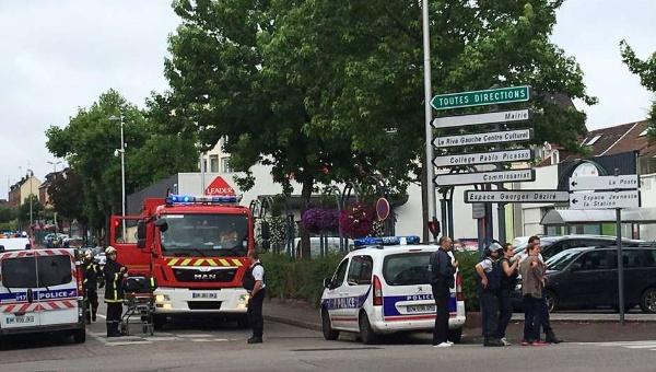 Francia: Daesh reivindica toma de rehenes y degollamiento de cura en Normandía