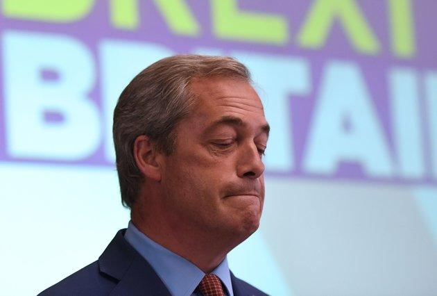 Nigel Farage, el principal impulsor del Brexit, renuncia a la presidencia del partido marcado por las críticas a su gestión política