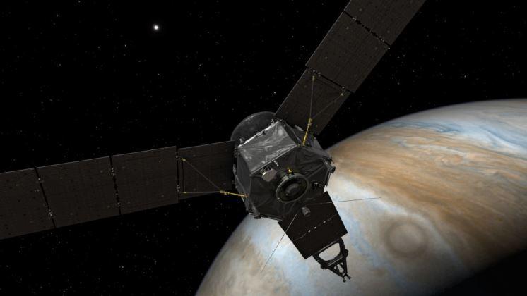 Juno envía la primera imagen de Júpiter y tres de sus lunas