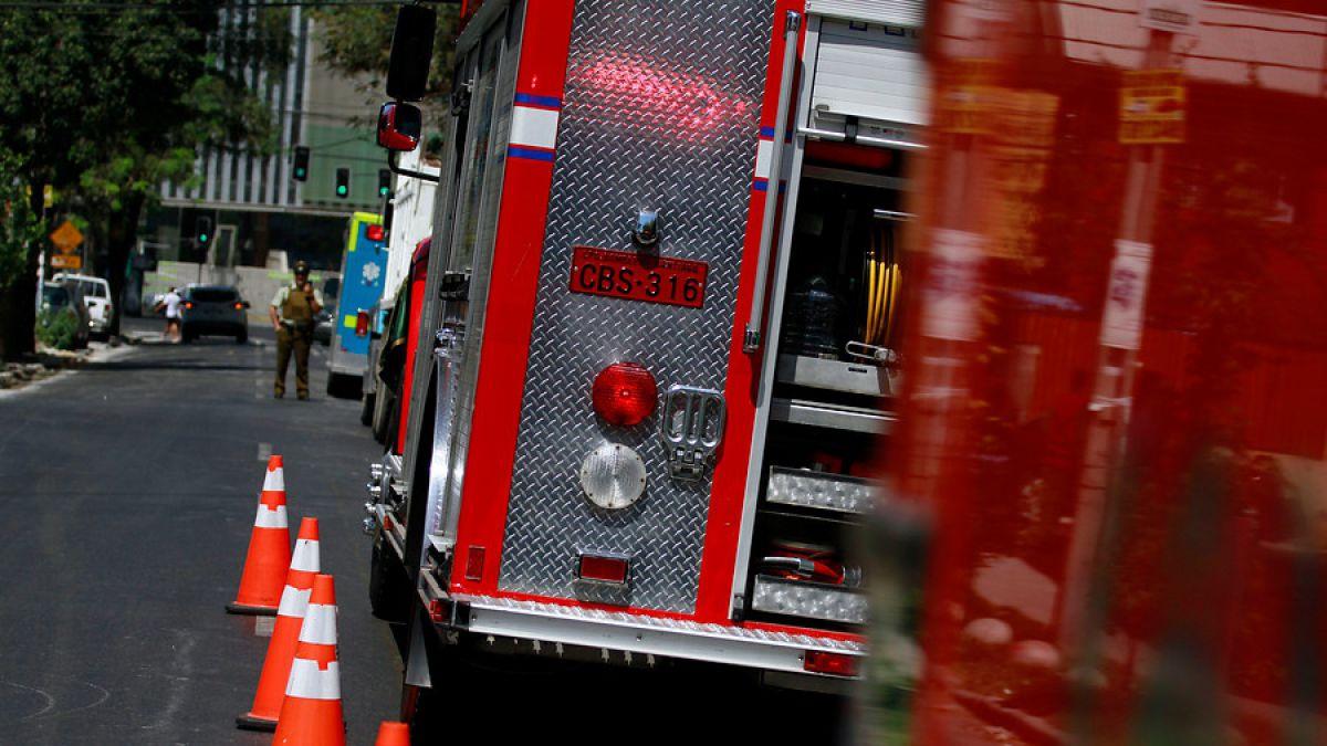 Fuerte explosión se registra en antiguo edificio de Bellavista en Santiago