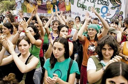 Web de Estadísticas de Género del INE evidencia las desigualdades que viven las mujeres en Chile