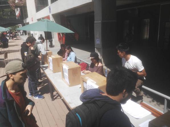 Estudiantes de la UNAB de Viña del Mar votan estatutos de su federación por primera vez