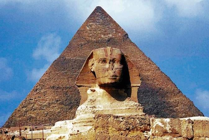 Proyecto de alta tecnología revela dos cavidades desconocidas en la pirámide de Guiza
