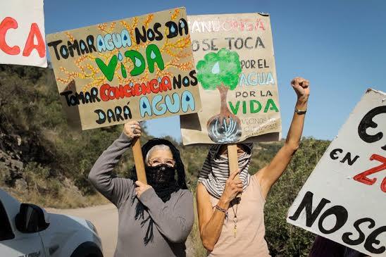 """Estrenan documental sobre incremento del extractivismo en América del Sur """"IIRSA: La infraestructura de la devastación"""""""
