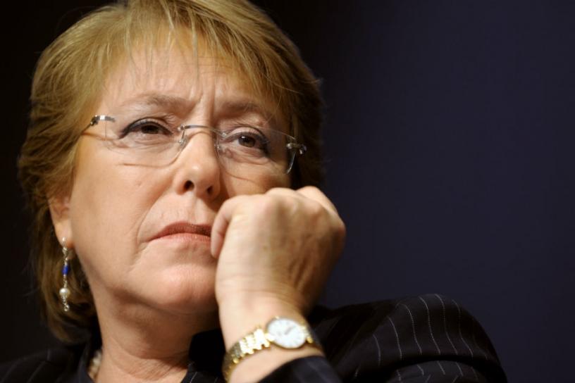 Encuesta Adimark registra leve alza de aprobación a Bachelet