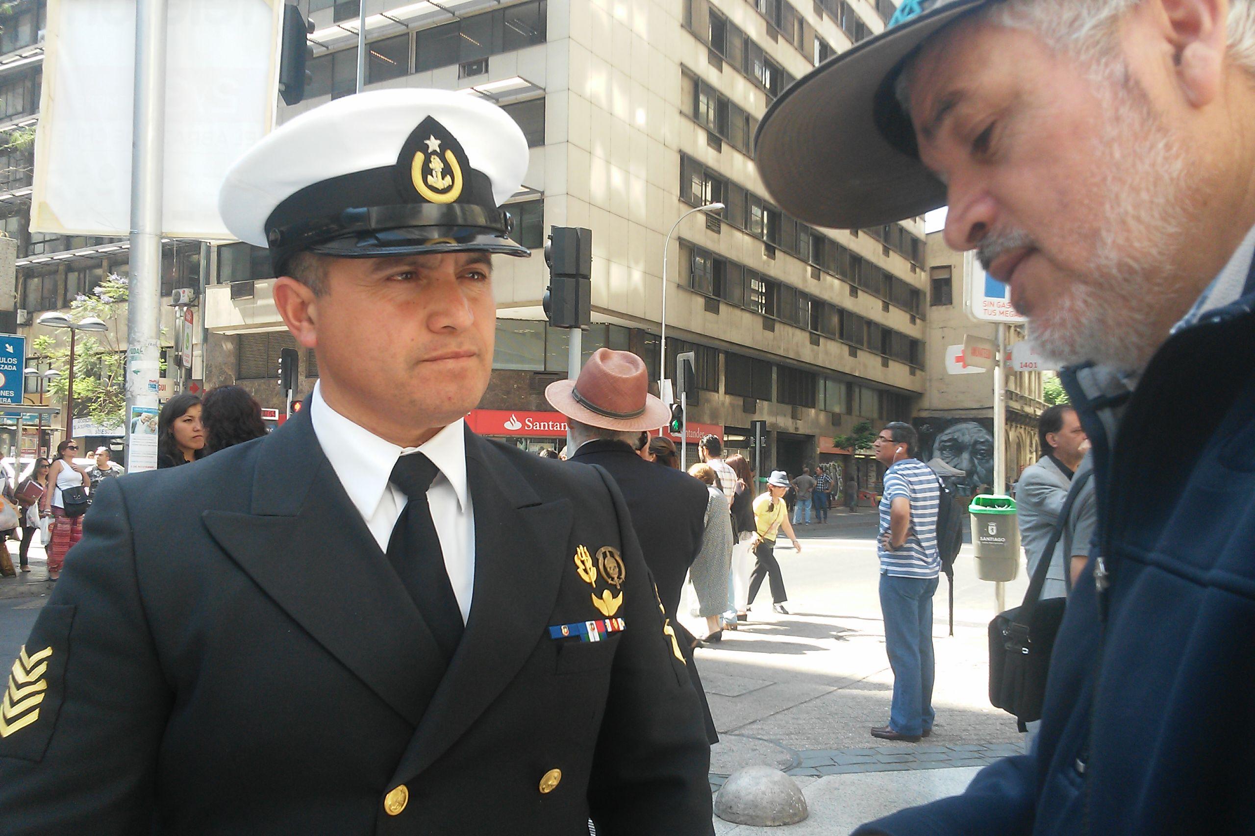 Comando de la Armada presenta demanda laboral por discriminación