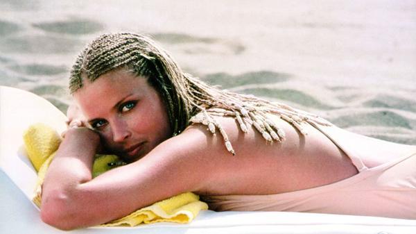 La «Mujer 10» Bo Derek cumplió 60 años: así luce hoy la recordada icono sexual (FOTOS)