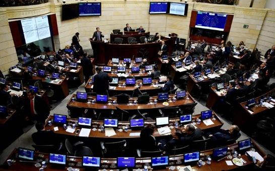 Colombia: Congreso aprueba reforma tributaria sin respaldo popular
