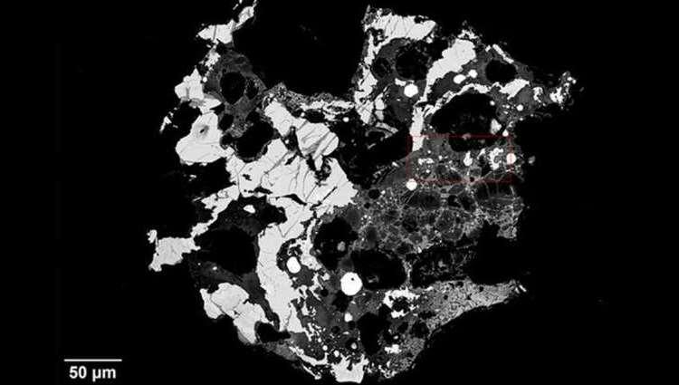 Pequeños cristales encontrados en un cráter en Siberia no se parecen a nada antes visto
