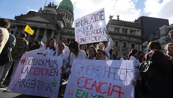 Argentina: científicos lanzan un frente federal en rechazo al ajuste