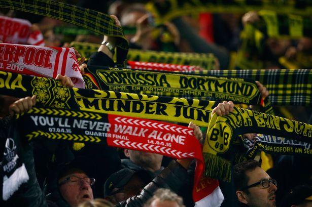 El emotivo cántico de las hinchadas del Liverpool y Borussia Dortmund por el que recibieron el premio The Best