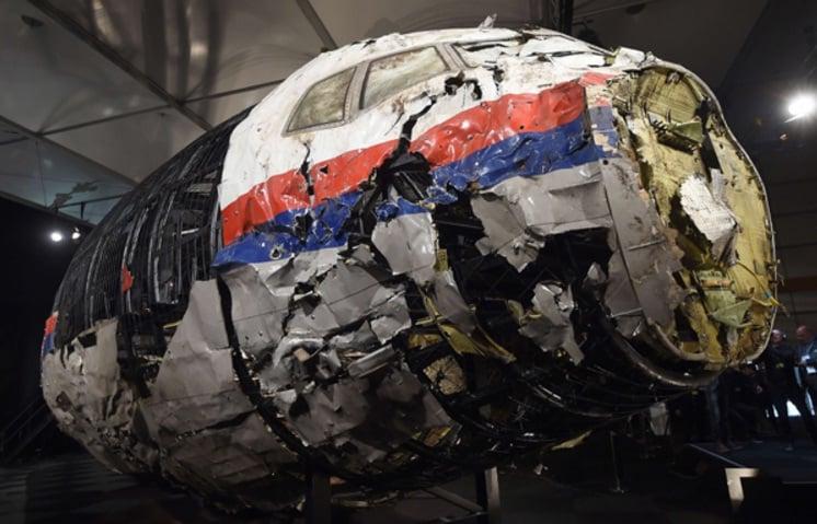 Informan detención de periodistas que investigaban caída del vuelo 17 de Malaysia
