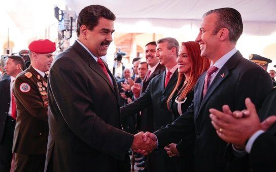 Venezuela: Maduro recambia a once cargos de su gabinete