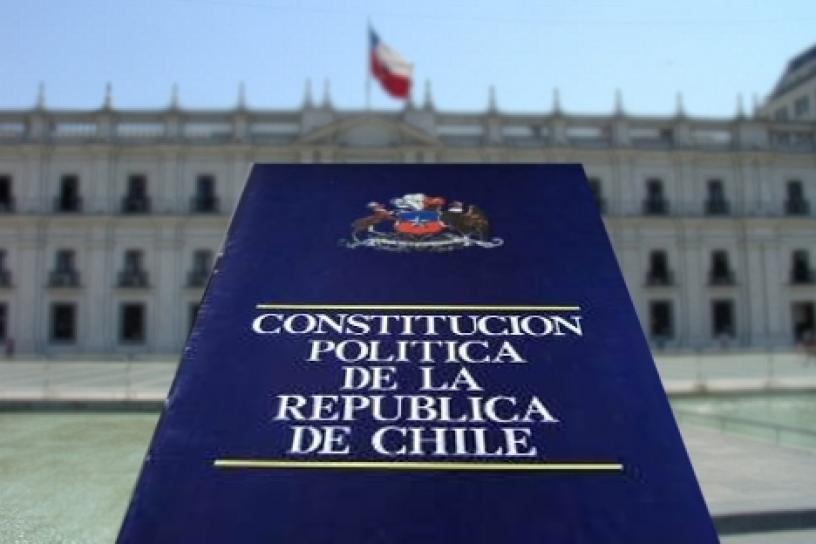 ¿Es legítima nuestra actual Constitución? ¿Existe en Chile un momento constituyente?