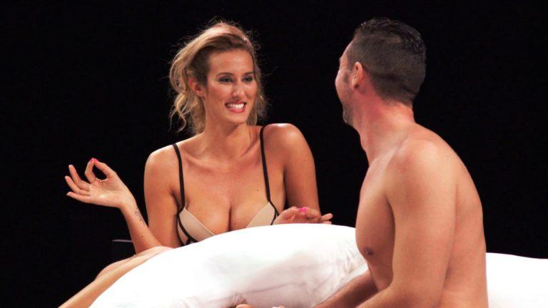 (Video) Debuta nuevo reality show donde te desnudas con extraños sobre una cama