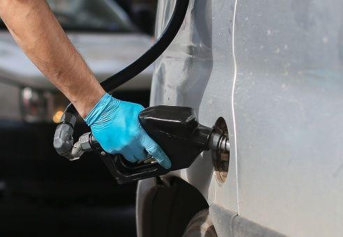 Argentina: Los tarifazos de Macri golpean también a la gasolina