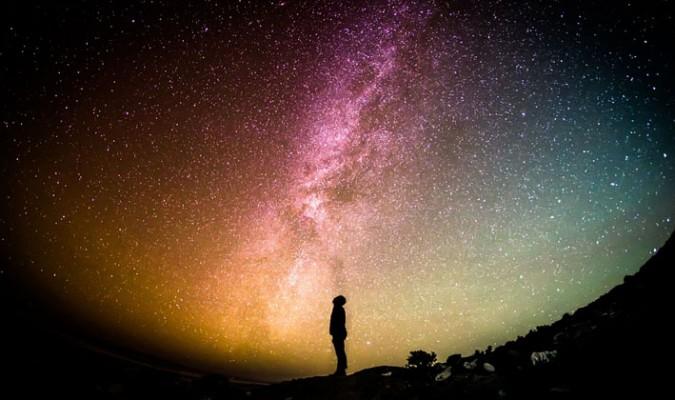 Astrofísicos hallan evidencia de que el universo en que vivimos podría ser un holograma