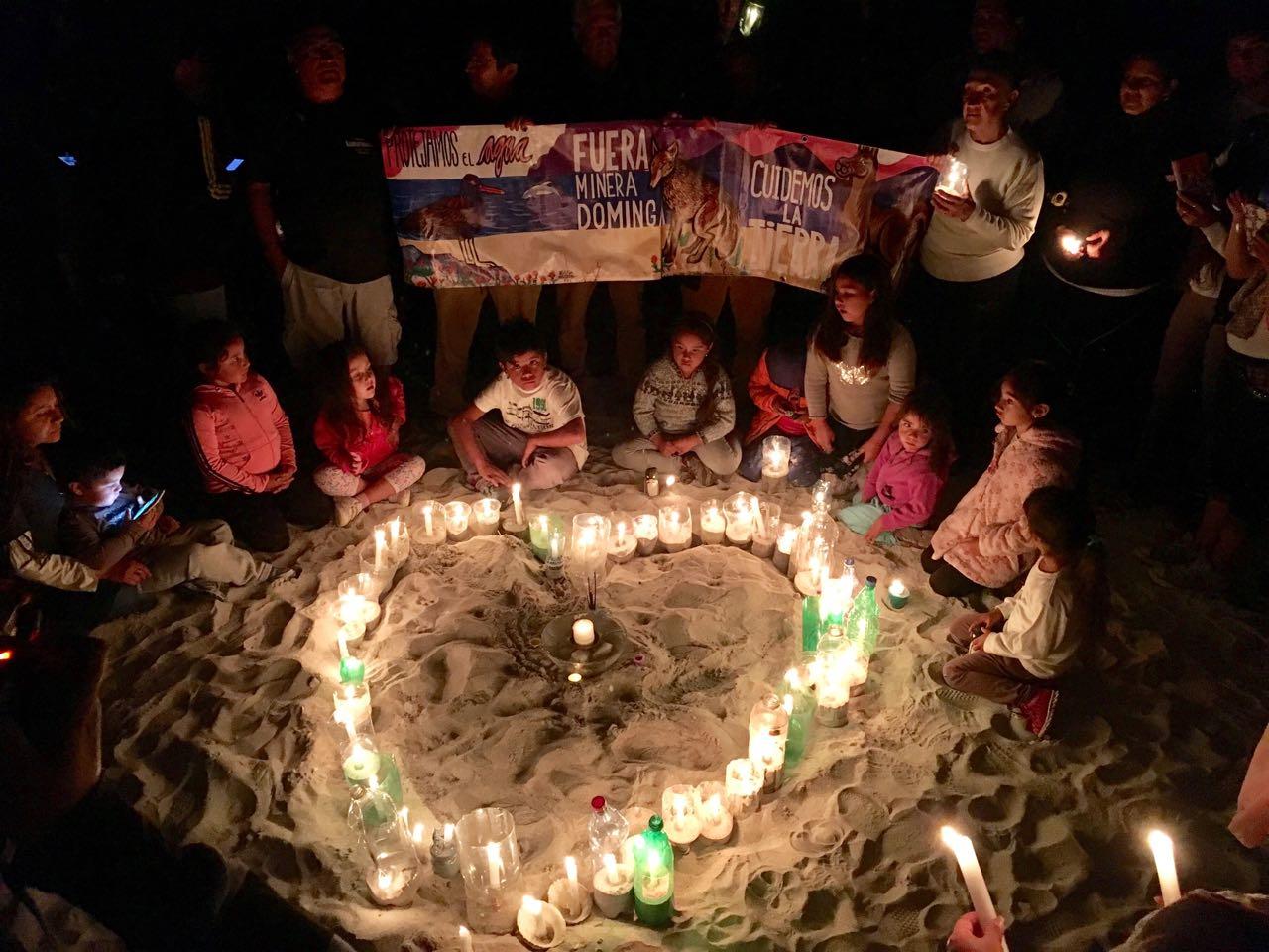 Con exitosa velatón llaman a rechazar la construcción de Dominga y Cruz Grande