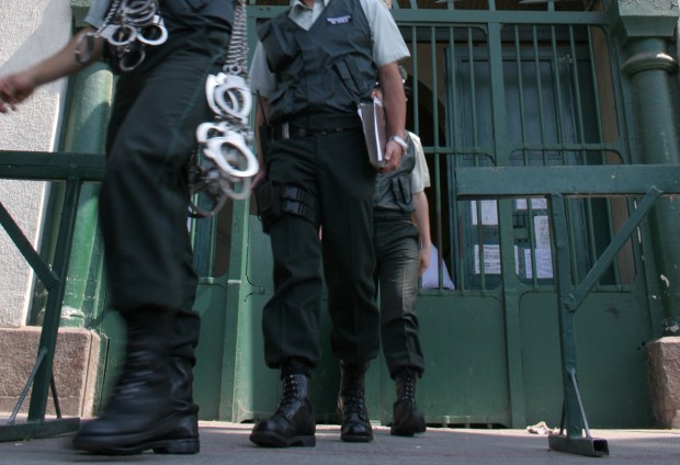 INDH presenta querella contra Gendarmería por torturas a interno de cárcel de Osorno