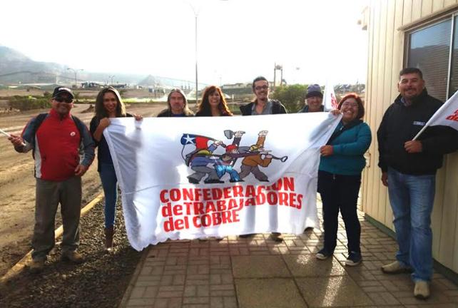 Trabajadores del cobre entregan petitorio de acuerdo marco a minera Mantos Copper