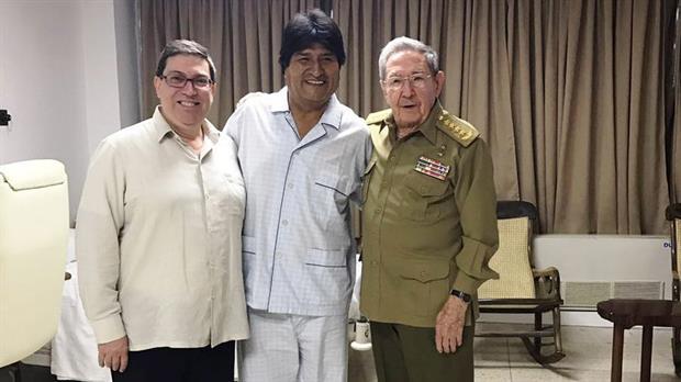¿Qué le sucede a Evo Morales en su garganta?