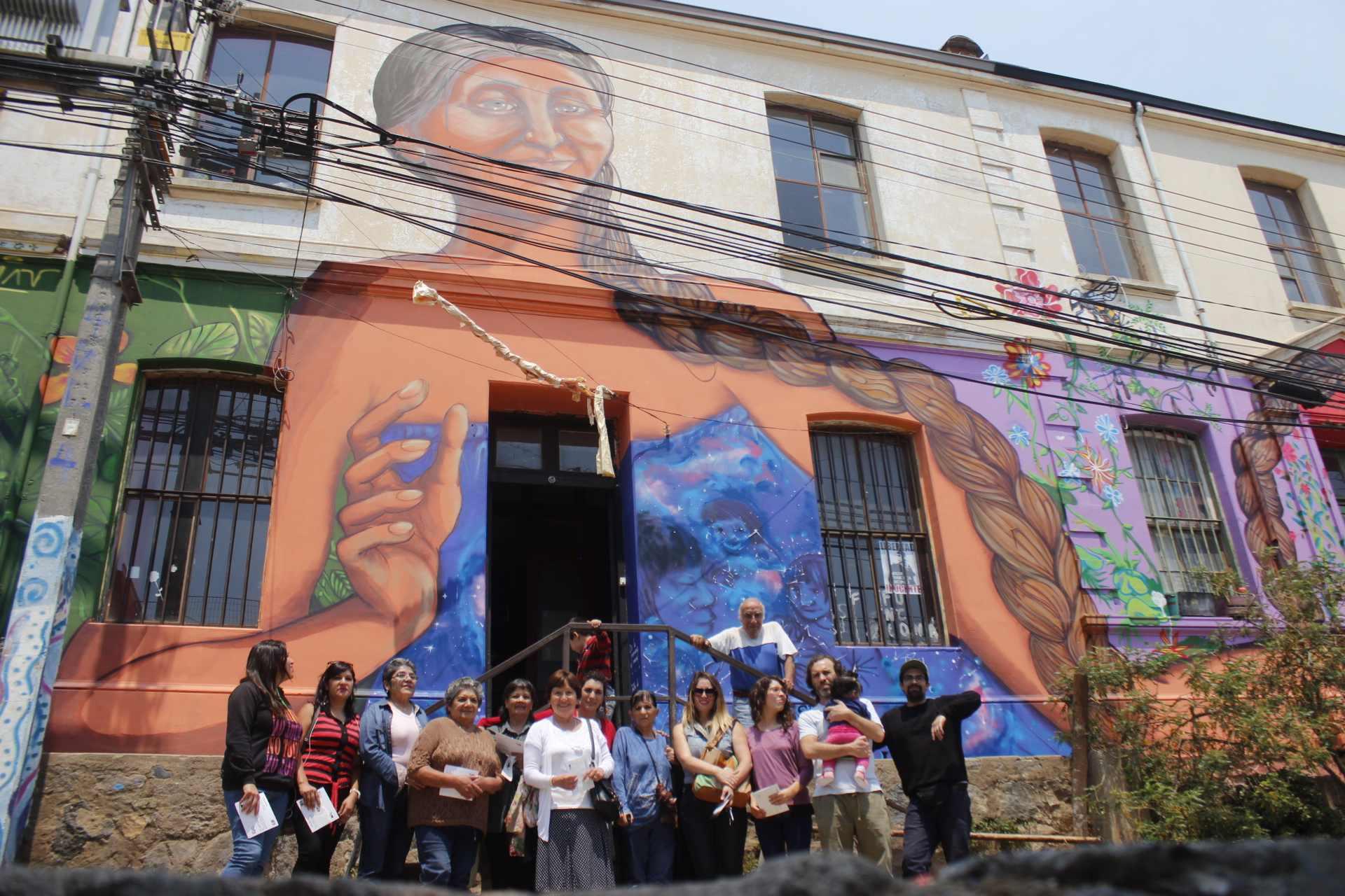 Comunitario y autogestionado: Espacio Santa Ana de Valparaíso inauguró su nueva casona