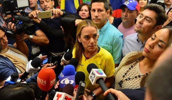 Ecuador le prohíbe la entrada a Lilian Tintori, esposa de Leopoldo López