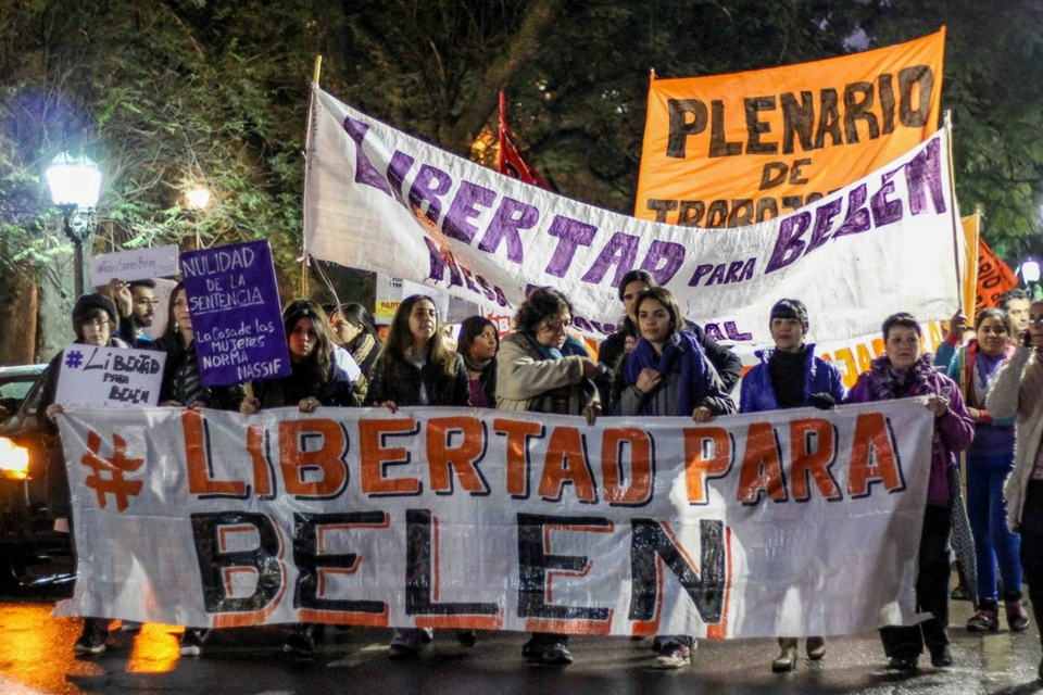 Argentina reabre el debate sobre el aborto legal luego de que la justicia liberara a una joven injustamente encarcelada