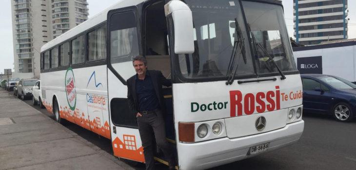 Ofuscado senador Rossi trata de «payaso» a diputado Gutiérrez por denuncia en caso «bus médico»