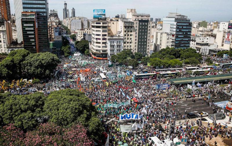 Las huelgas generales en Argentina que buscan frenar el ajuste de Mauricio Macri