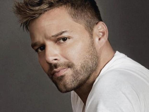Ricky Martin se toma foto desnudo y la comparte con sus fans: ellas enloquecieron con la foto de su miembro