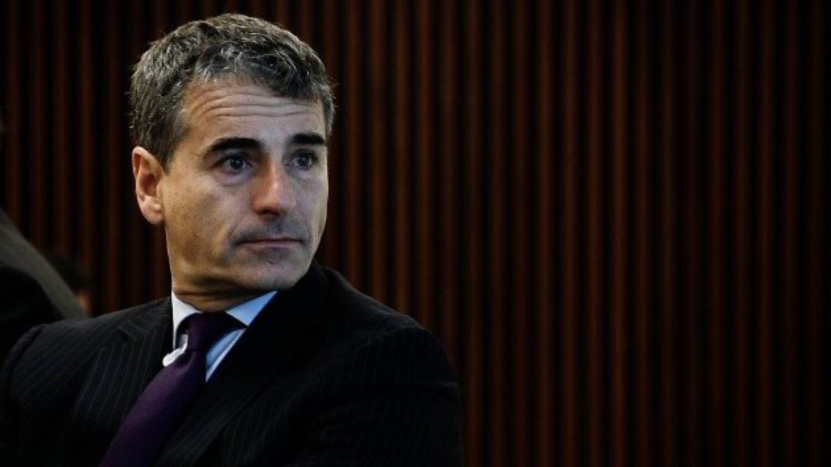 "Andrés Velasco alaba ""independencia"" de candidato francés pero le recuerdan almuerzo con controladores de Penta"