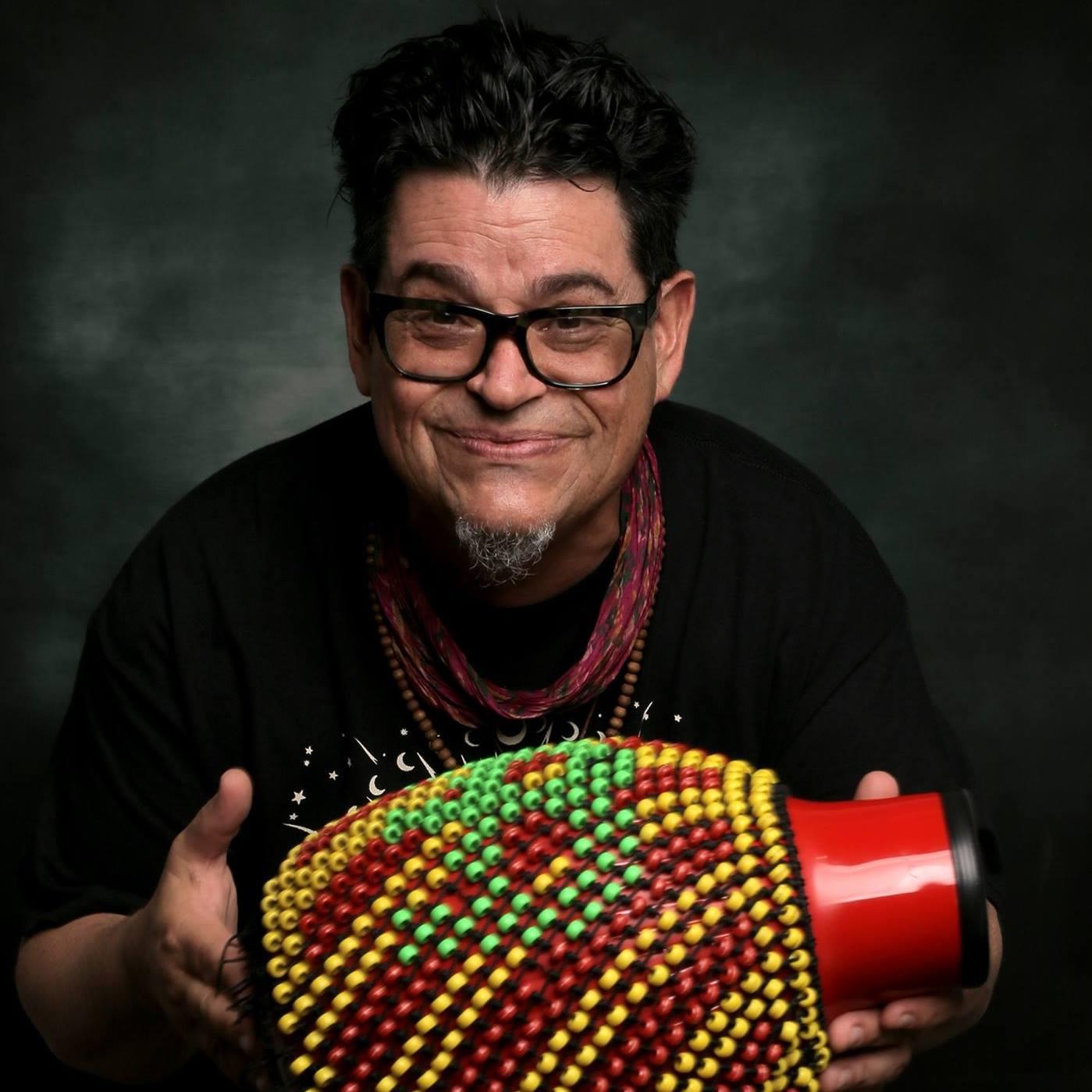 Joe Vasconcellos anuncia dos shows consecutivos en Bar El Clan