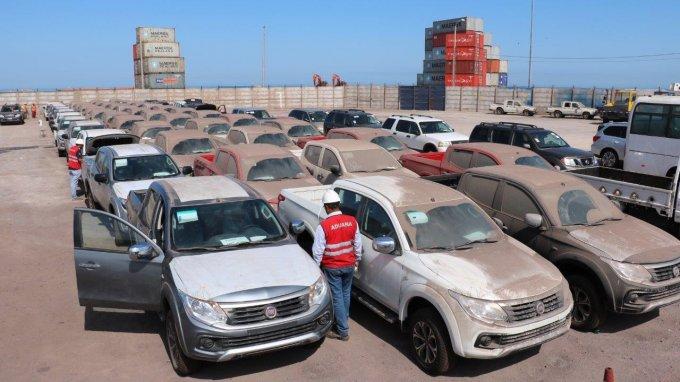 Aduanas rematará 50 camionetas nuevas, maderas y botellas de vodka