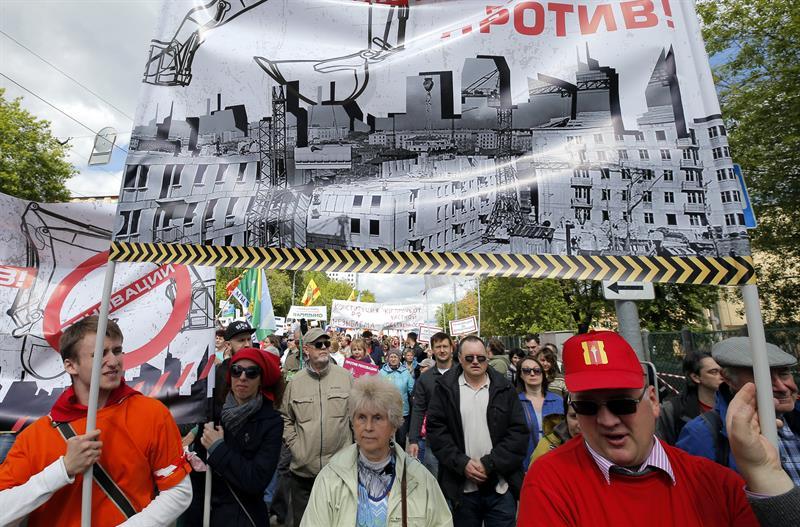 Rusia: Siguen las protestas contra la demolición de viviendas de la época soviética