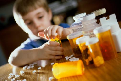 Niños drogados: Diputada Girardi alerta a director del Senda sobre medicalización en las aulas