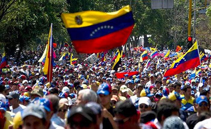 Venezuela: convocan a elecciones a gobernadores y la oposición manifiesta su rechazo