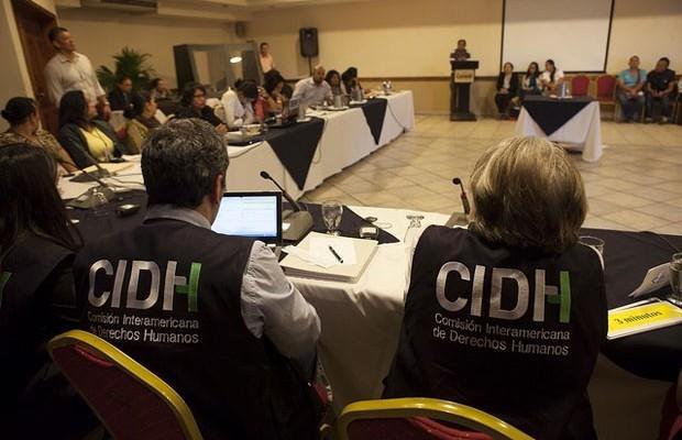 Amarc y Observacom piden ante el CIDH estándares de libertad de expresión para medios comunitarios