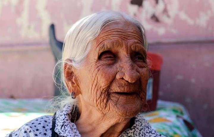 """Conoce a la anciana mexicana de 116 años que no cobraba su pensión por ser """"demasiada vieja"""" para el banco"""