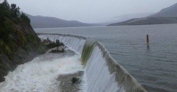 Colapso de embalse deja a Ovalle sin agua por al menos una semana