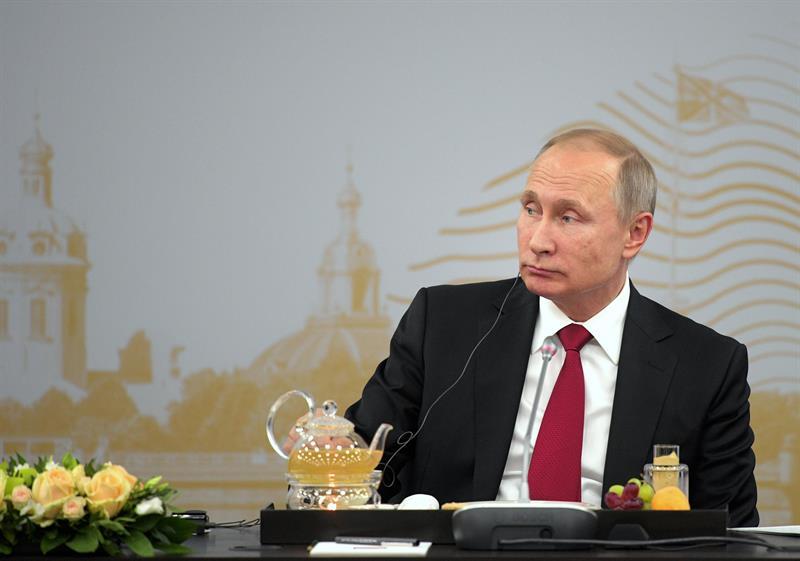 Rusia: Putin anuncia la expulsión de más de 700 diplomáticos estadounidenses