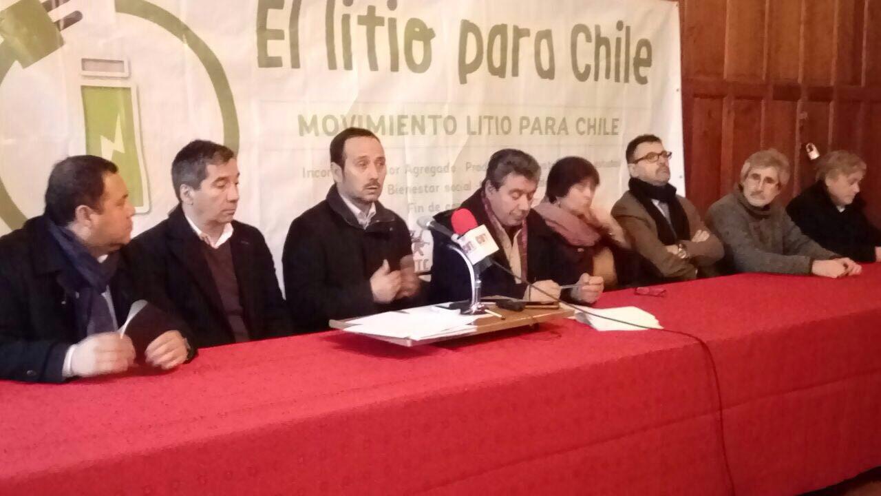 Empresa Nacional del Litio: Comenzó campaña de recolección de firmas para pedir su creación