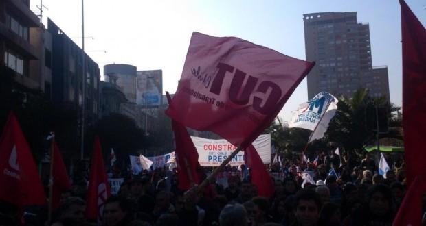 Mesa del Sector Público reformula movilización tras invitación del Gobierno a negociar el reajuste