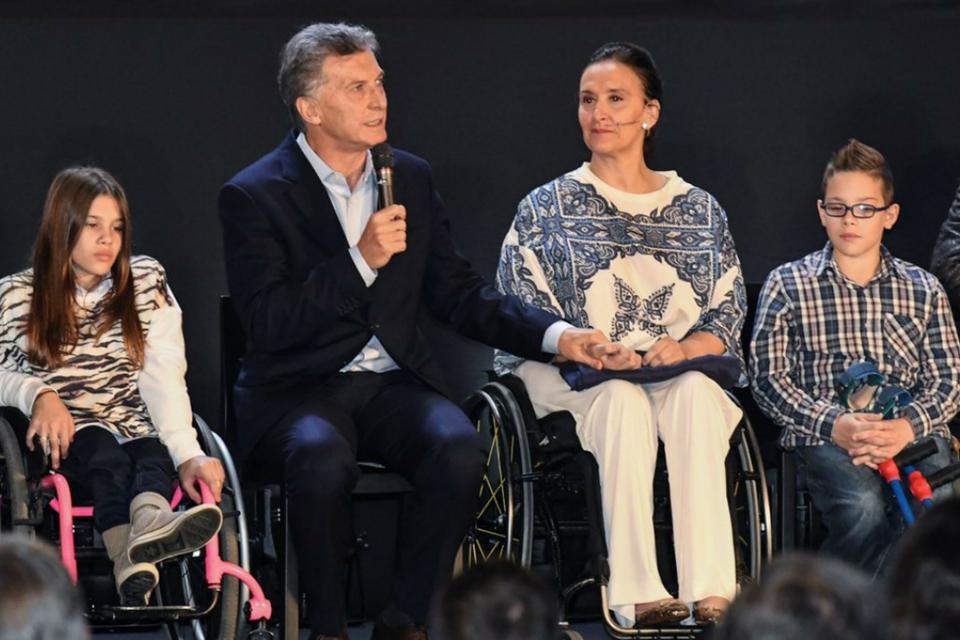 El ajuste neoliberal en Argentina: quitan pensiones a más de 80 mil discapacitados