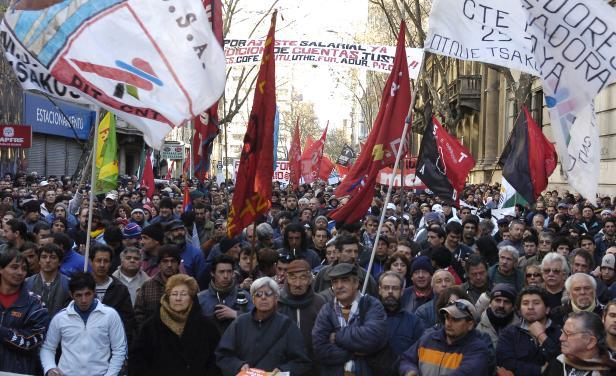 Uruguay: gremios realizan un paro parcial y se evalúan más medidas de fuerza contra el Gobierno