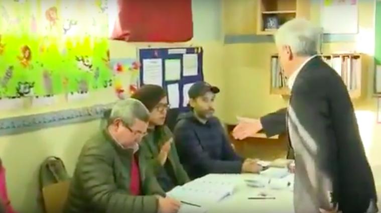 A lo Bielsa: Vocal de mesa no quiso saludar de la mano a Piñera