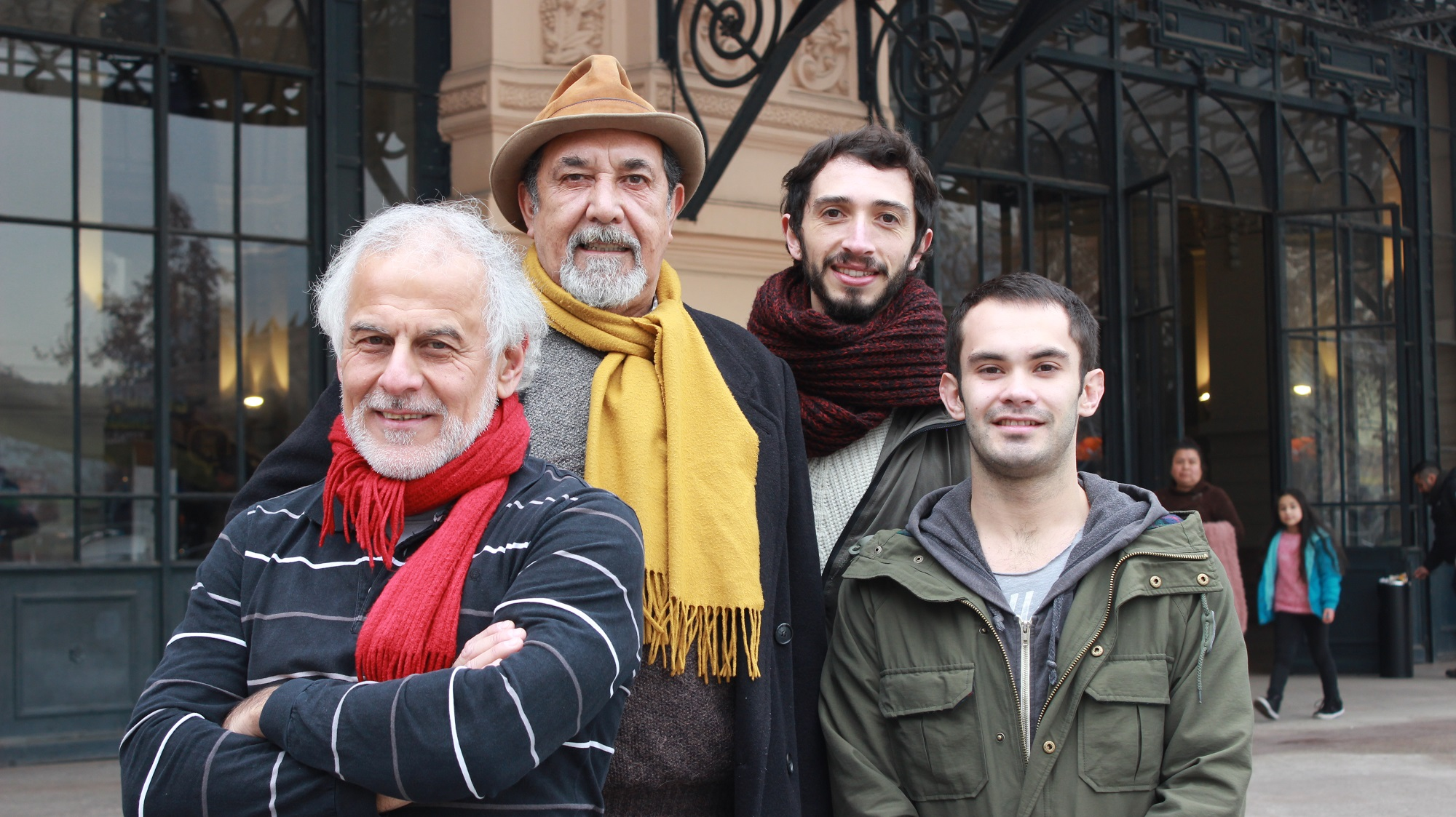 Hemingway llega al teatro a la chilena y escrito en décima
