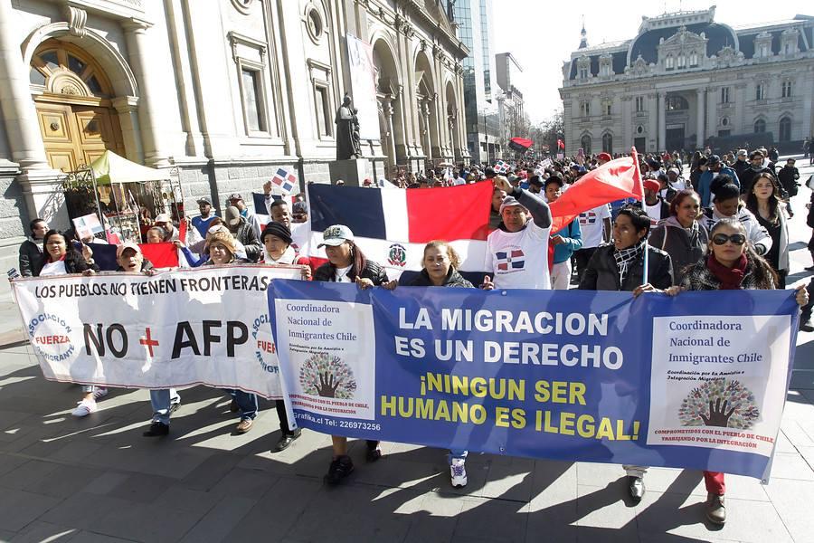 Organizaciones de inmigrantes cuestionan proyecto de migraciones presentado por el Gobierno